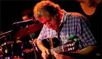 Volve en Ribadeo o ciclo Músicas Posíbeis. Este sábado, 4 de abril, haberá concerto do guitarrista Jorge Giuliano.