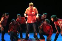 """""""Impreuna"""", o espectáculo de Pistacatro chega este sábado, 21 de maio, a Viveiro. Haberá malabares, acrobacias e clowns."""