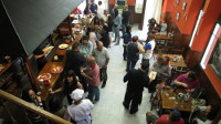 El restaurante ribadense La Cuchara de Palo ofrece sus menús diferentes para grupos y también prepara comida para llevar a casa.