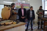 Do 8 ao 11 de decembro terá lugar na praza dos Fornos, na Pontenova, a X Feira de Artesanía e Antigüidades, que reunirá a profesionais nacionais e internacionais.