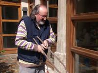 O ceramista Otero Regal fará unha demostración en directo dunha cocción de raku. Será o 20 de agosto na Feira de Artesanía de Viveiro.