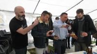"""O restaurante A Cofraría de Rinlo presentou a súa propia cervexa artesá. Chámase """"Salgadiña"""" e entre os seus ingredientes ten auga de mar."""