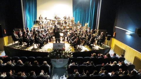 A Banda Municipal de Ribadeo ofrecerá un concerto solidario a favor da asociación A Mariña-Cogami. Será o vindeiro domingo, 3 de xaneiro, no Cine Teatro.