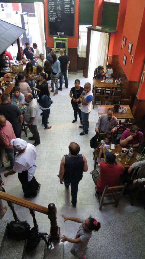Ribadeo cuenta con un nuevo restaurante: La Cuchara de Palo. Está situado en uno de los edificios indianos que hay en la calle San Roque.