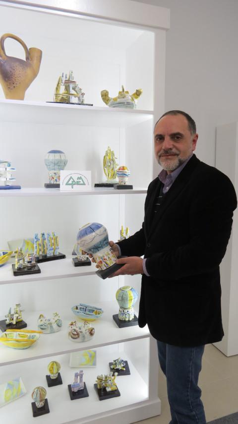 Terra Branca, en Ribadeo, acoge una exposición de trabajos realizados en el taller cerámico de la Asociación Pro Enfermos Mentales de A Coruña.