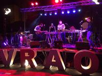 En Foz celébrase unha nova edición do festival VRAO Sons Independentes. 25 proxectos musicais actuarán ao longo dos 5 sábados do mes de xullo.