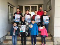 A Anpa do Pedro Caselles Rollán, de Xove, vende pulseras solidarias co obxectivo de recadar fondos para conseguir un desfribilador para o colexio.